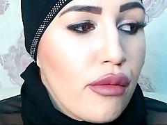 Foolish Pervert in Live Sex Chat with SelmaAzmani XD