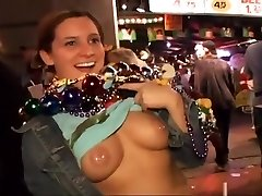 Amateur Gals Getting Wild At Mardi Gras