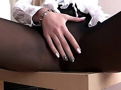 Super-steamy bitch pees through her sexy pantyhose