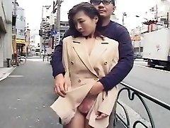 japonaise soumise exhibee it pubblico, putain maritale