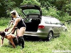 Anālais vīriešu vergu kundzību un facesitting ārā