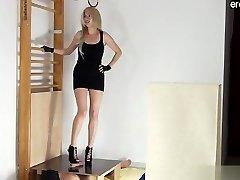 18 سنة من العمر وقحة وحشية الجنس