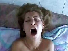 Rėkia analinis seksas