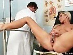 סקסית בלונדינית לאונה הנרתיק, הבדיקה הגינקולוגית