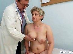 Mature ginormous snatch Ruzena gyno speculum bizzare clinic exam
