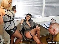 sexy boss kuces savukārt birojā perv uz neilona zeķes dievkalpojumu kāju vergu