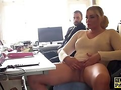 Throatfucked english bird finger-banging herself