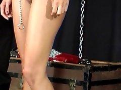 Meester spelen met vrouwelijke sex slaaf