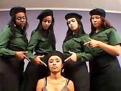Brazilski kruto vojaške lezbijke pljuvati ponižanje