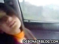 labai gražus pakistano pendžabų mergina bučiniai ir turi automobilį