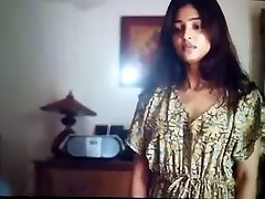 Radhika Apte super-hot marathi bolly actress exposing her cooter