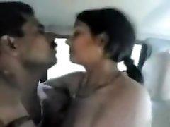 Desi hottie drilled in a van