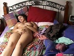 Smarkus Indijos mažylį su didelis fizinis boobs pirštai jos ištraukti