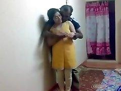 印度对夫妇隐藏的性别