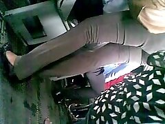 Sri lankan office dame cute backside in bus