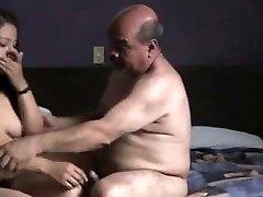 indijos prostitude mergina pakliuvom oldman viešbučio kambaryje