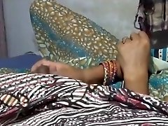 Hot Indian Stepmom Gets Boinked Hard By Sonny