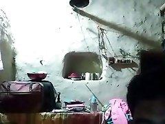ινδικό ζευγάρι παίζοντας με webcam