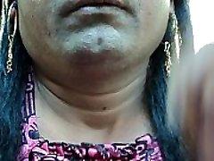Indijos mergina skutimosi jos pažastų plaukai aštriu kraštais straight razor lygus ir švarus ..AVI
