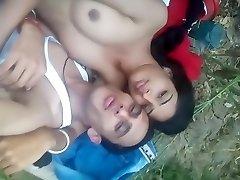 indijos koledže mergina lauko lytis