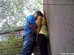kolegijos berniukas ir mergaitė karšto sekso
