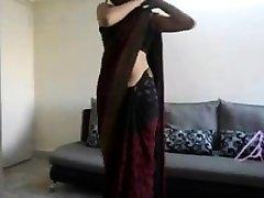 indiano teen mostra il suo corpo
