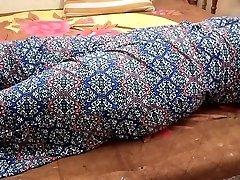 INDIAN BIG BOOBS GIRL CLOSEUP BLOWJOB & Close-up Pummel WITH LOUD MOANING