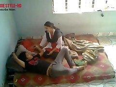 भारतीय मेडिकल छात्र शुक्रवार को युवा प्रेमी के साथ गड़बड़ कर दिया