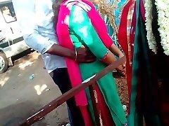 जनता में मदुरै गर्म तमिल जोड़ों
