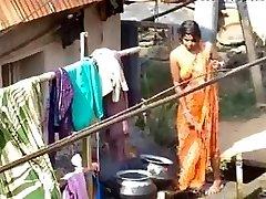 vasi bhabhi kopanje na prostem