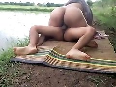 Cheating desi wife fucks her spouse's friend at farm ...