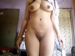 Super Hot Large Boobs Desi Cutie Nude Selfie
