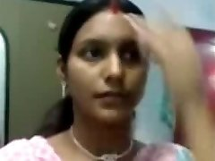 Gorgeous Notrth indian aunty titties