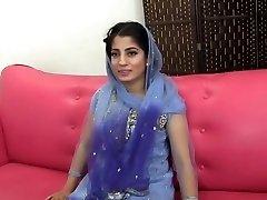 Pakistanilais-Intialainen muslimi Tyttö perseestä kanssa 10 tuumaa musta kukko