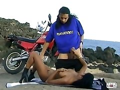 Hot Indian Girl Dai Lany en Moto