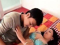 Karstā Bhabhi Pieņemšanas Romantika