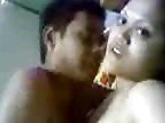 nobriedis indijas dāma ar puišeli