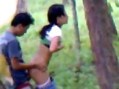 Desi girlfriend outdoor pounding with boyfriend indian and bangla