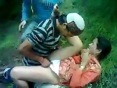 Desi Häbelik Aunty Perses Himachali Mees