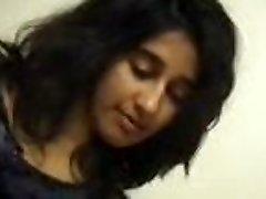 Intialainen Tytön, Hieronta