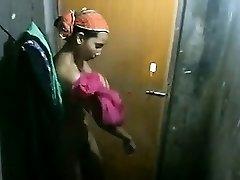 India Tüdruk muutuvad Riided hidden cam saagi