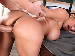 Pria Anjali Rai & Chris Johnson v Moj Prvi Seks Učitelj