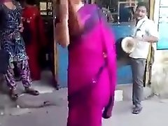 indian nakedness in public