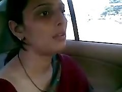 desi aunty smashing with her boyfriend in car bj fun
