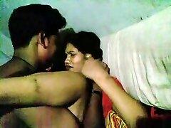 Desi Páry Robí Sex Na Posteľ A Priateľ Nahrávanie