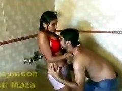 Jaunā hot sexy video vannas istaba