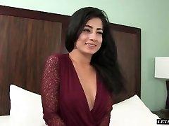 Nadia Ali-Hardcore musulmaņu 2015