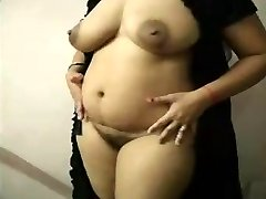sumptuous INDIAN KNOCKED UP BHABHI strip