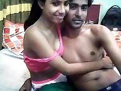Desi Indijos Jaunų Įsimylėjėlių Visą Sušikti Kameros