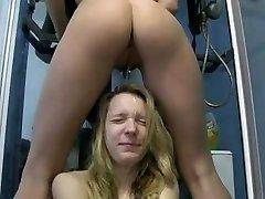 Pissing Lesbian
